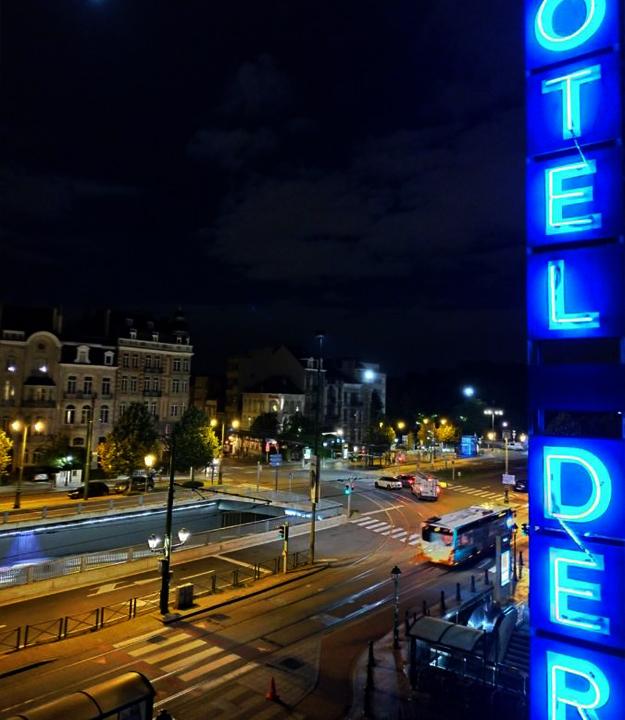 Vue nocturne Hôtel Derby Bruxelles
