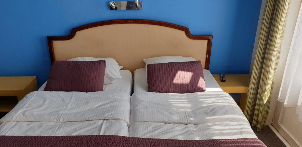 Hôtel Derby Quartier Européen - Merode 1040 Etterbeek - Bruxelles Hôtel Pas cher - Hôtel Bien situe - chambre et douche privative.